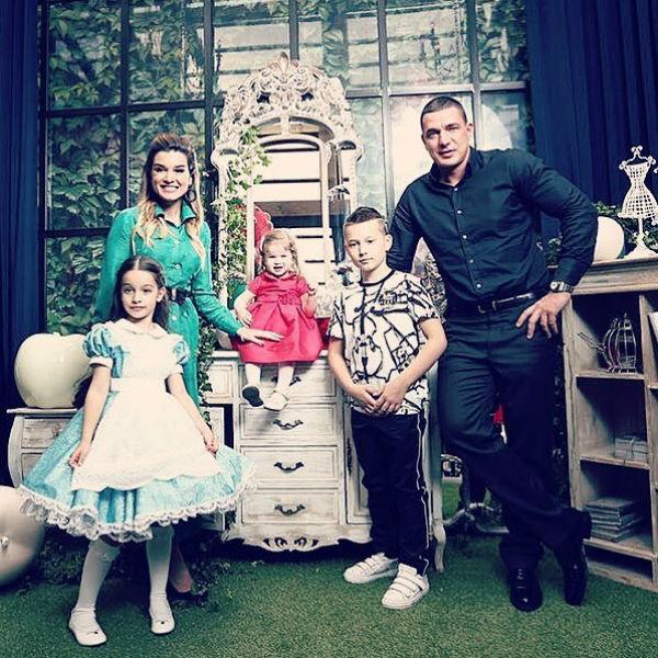 Год назад Ксения с мужем и детьми переехала жить за город
