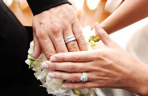 Идеальный муж: 10 звезд и их самые завидные спутники жизни