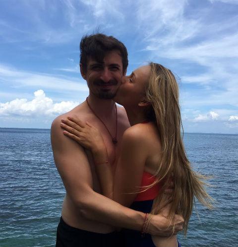 Алексей Лемар на отдыхе с супругой