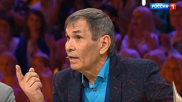 Бари Алибасов выразил негодование некорректным, по его мнению, поведением Владимира Левкина