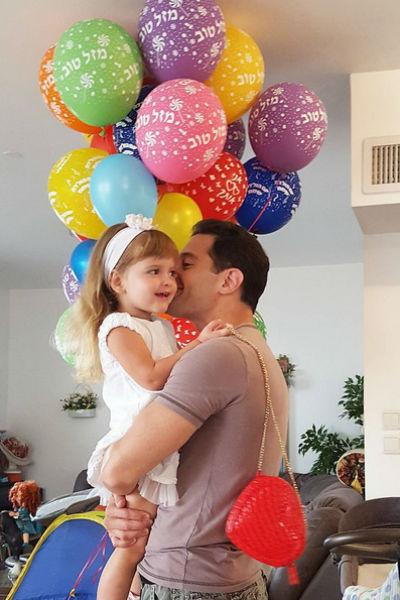 Антон поздравляет дочку с днем рождения