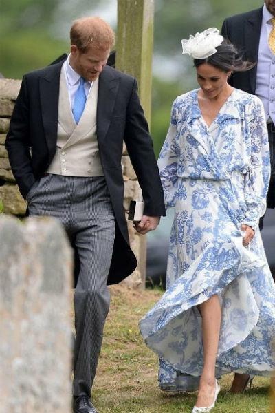 Наряд Меган на свадьбе Селии Роуз МакКоркодейл вызвал много вопросов