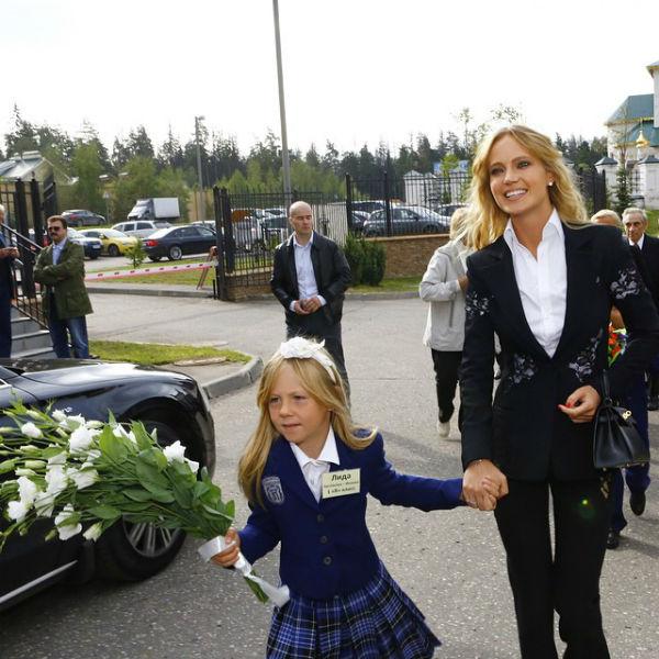 Наталья Ионова отвела Лидию в первый класс
