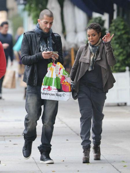 Пара отправилась за покупками. Голливуд 2012 год.