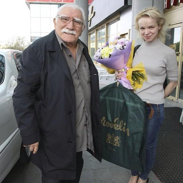 Армен Джигарханян с женой
