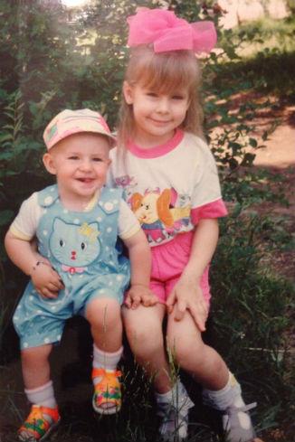 В детстве с братом