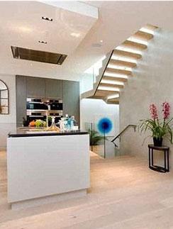 В новой квартире Стюарт и Паттинсона - два этажа