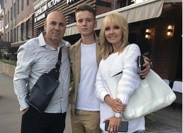 Валерия с супругом и сыном Арсением