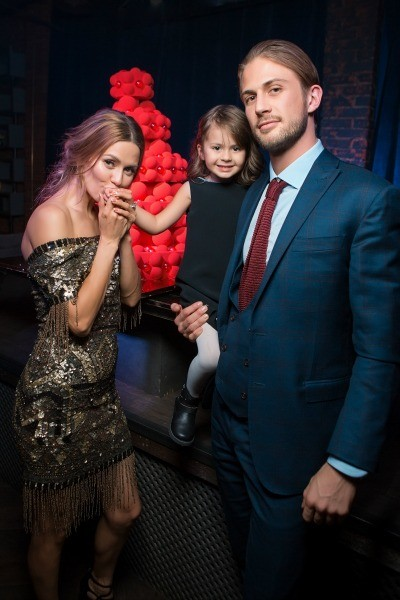 Телеведущая призналась, что боится выходить замуж за Алекса Смерфита