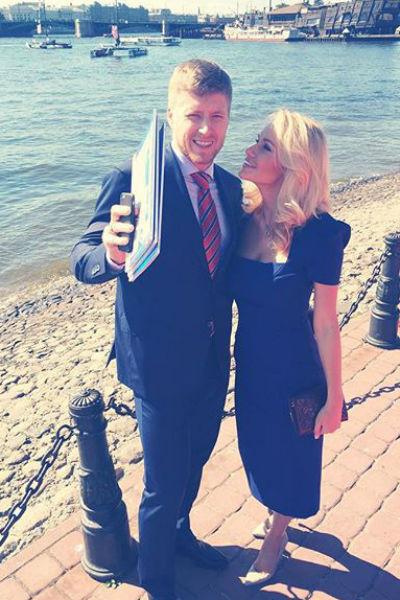 Антон и Елена Беловы воспитывают маленькую дочь