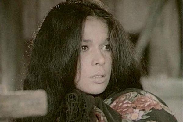 В кино актрисе всегда достаются роли цыганок