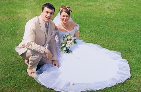Михаил и Кристина встречались два года,  а 4 июня 2005 г. сыграли свадьбу