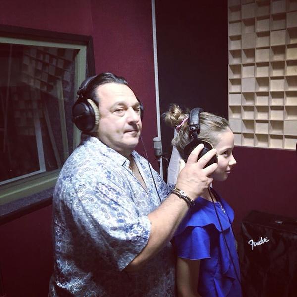 Саруханов поддерживает таланты дочери