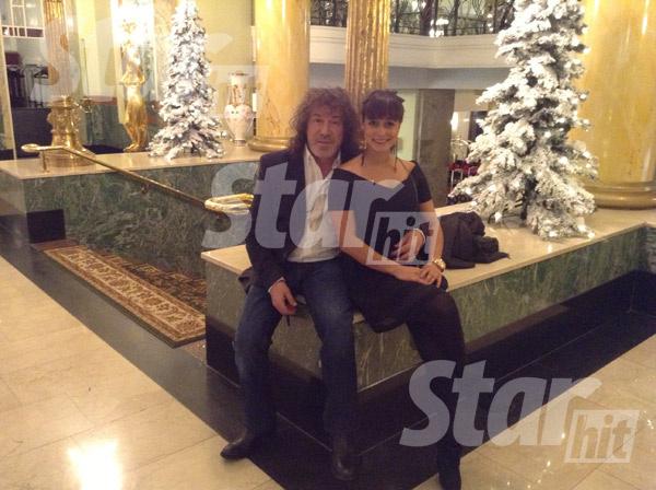 В этом году Кузьмин впервые за долгие годы не работал в новогоднюю ночь. И с радостью пригласил дочку в гости