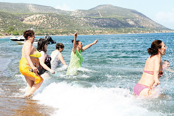 В отличие от греческой богини  наших Афродит из пены  морской было не вытащить