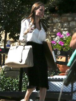 Анджелина Джоли вновь заняла режиссерское кресло