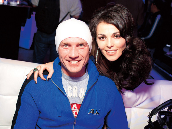 Способности певицы помогли ей предсказать бронзу в проекте «Лед и пламень», в котором она выступала с Романом Костомаровым