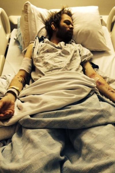Дерик Уибли на больничной койке