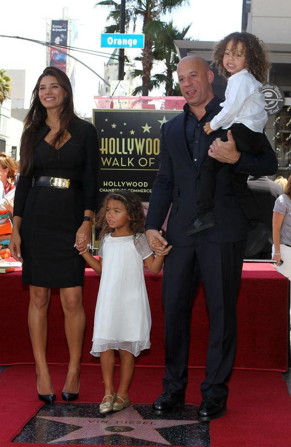 Вин Дизель с подругой Паломой Химинес и их детьми