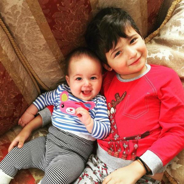 Илья и Мария растят сына Матвея и дочку Софию