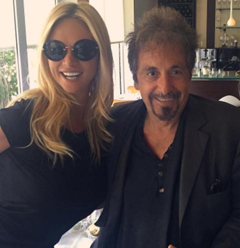 «Мистер Аль Пачино собственной персоной», - подписала фото с живой легендой Голливуда Виктория Лопырева