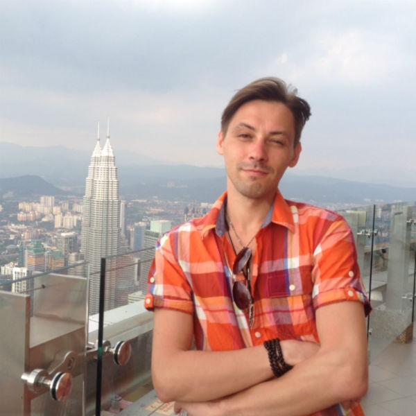 Мечта Вадима исполнилась: он много зарабатывает и ездит по свету