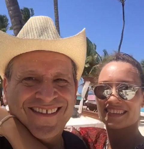Борис Грачевский с молодой женой устроили романтические каникулы