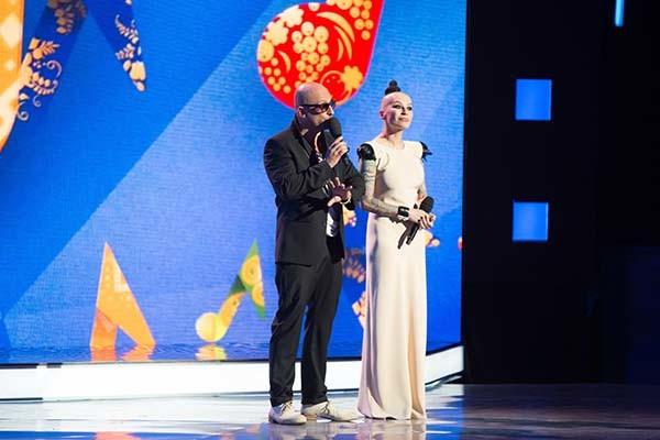 Ведущие второго конкурсного дня – Дмитрий Нагиев и Наргиз Закирова