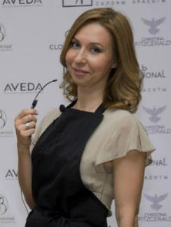 Теле- и радиоведущая Елена Усанова после органического ламинирования «Блеск»