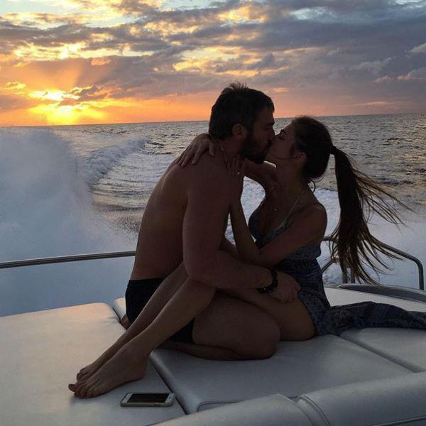 Летом влюбленные наслаждались друг другом на самых живописных морских курортах