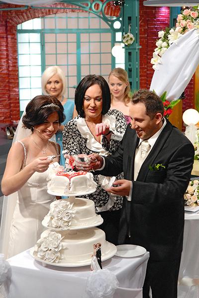 За время существования популярной программы Гузеева поженила десятки пар