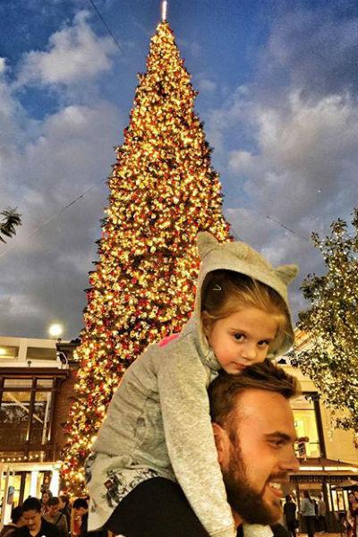 Максим с дочерью Моникой