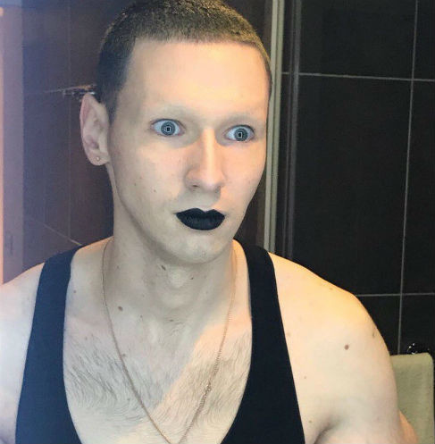 Кирилл Терешин постоянно экспериментирует со своей внешностью