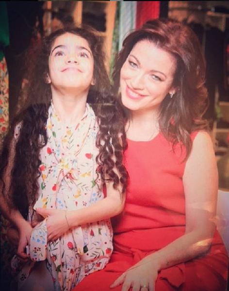 Алена с младшей дочерью