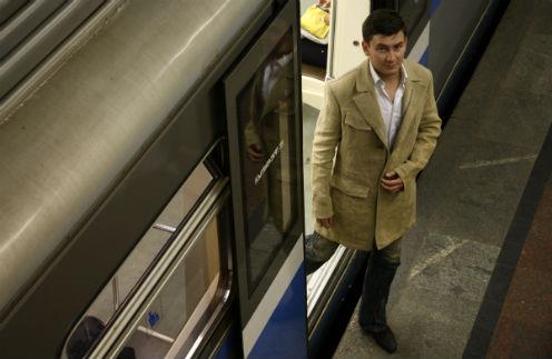 Писателя до сих пор можно встретить в метро. Так он спасается от пробок