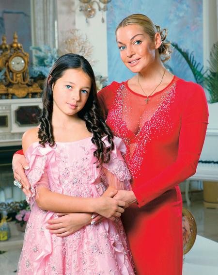 После развода на балерину легли почти все расходы на воспитание дочки