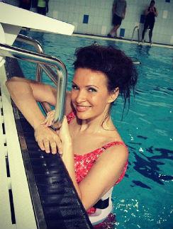 Эвелина Бледанс предпочитает тренировкам в зале водные процедуры