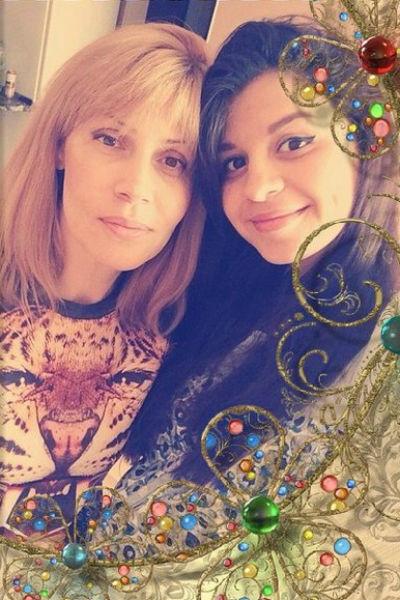 Дочь Светланы Михайловны Алиана постоянно находится с мамой