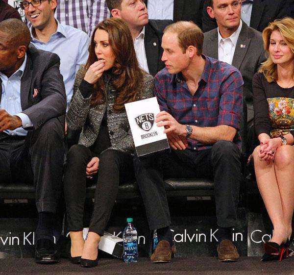 Весь матч герцогиня уплетала попкорн