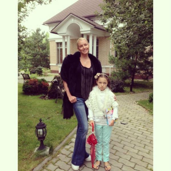Мама с дочкой одеваются в одном стиле