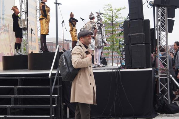 Джейсон Стэтхэм изучал площадку и наблюдал за выступлением Сердючки