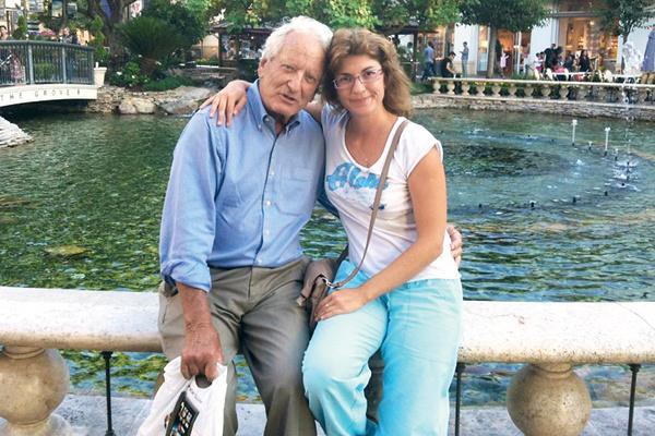 Николас Костер с женой Еленой