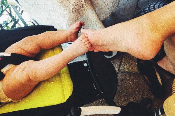 Новоиспеченная крестная мама не скрывает радости