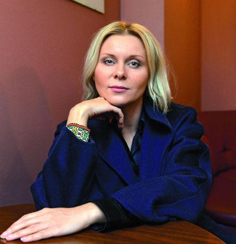 Яна Троянова пыталась спасти родственника и определить в клинику на лечение