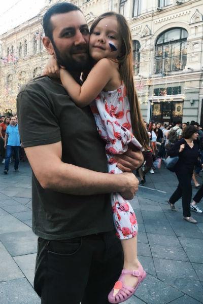 Свободное время Потапович проводит с дочерью и женой