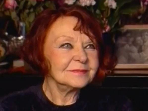 На протяжении многих лет Нина Николаевна страдает от болезни Паркинсона