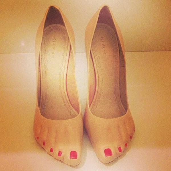 Необычная обувь бренда Celine полюбилась Водонаевой, она не смогла устоять