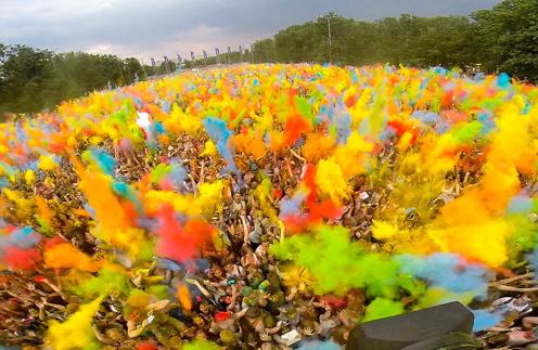 Фестиваль красок Холи в «Лужниках»