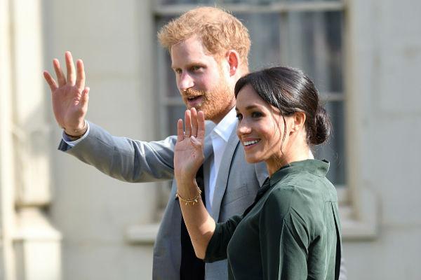 Принц Гарри старается не обращать внимания на скандалы, связанные с именем его супруги