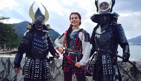 Сати Казанова путешествует по загадочной Японии